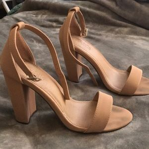 Tan Nude Chunky Heel Size 7 Charlotte Russe